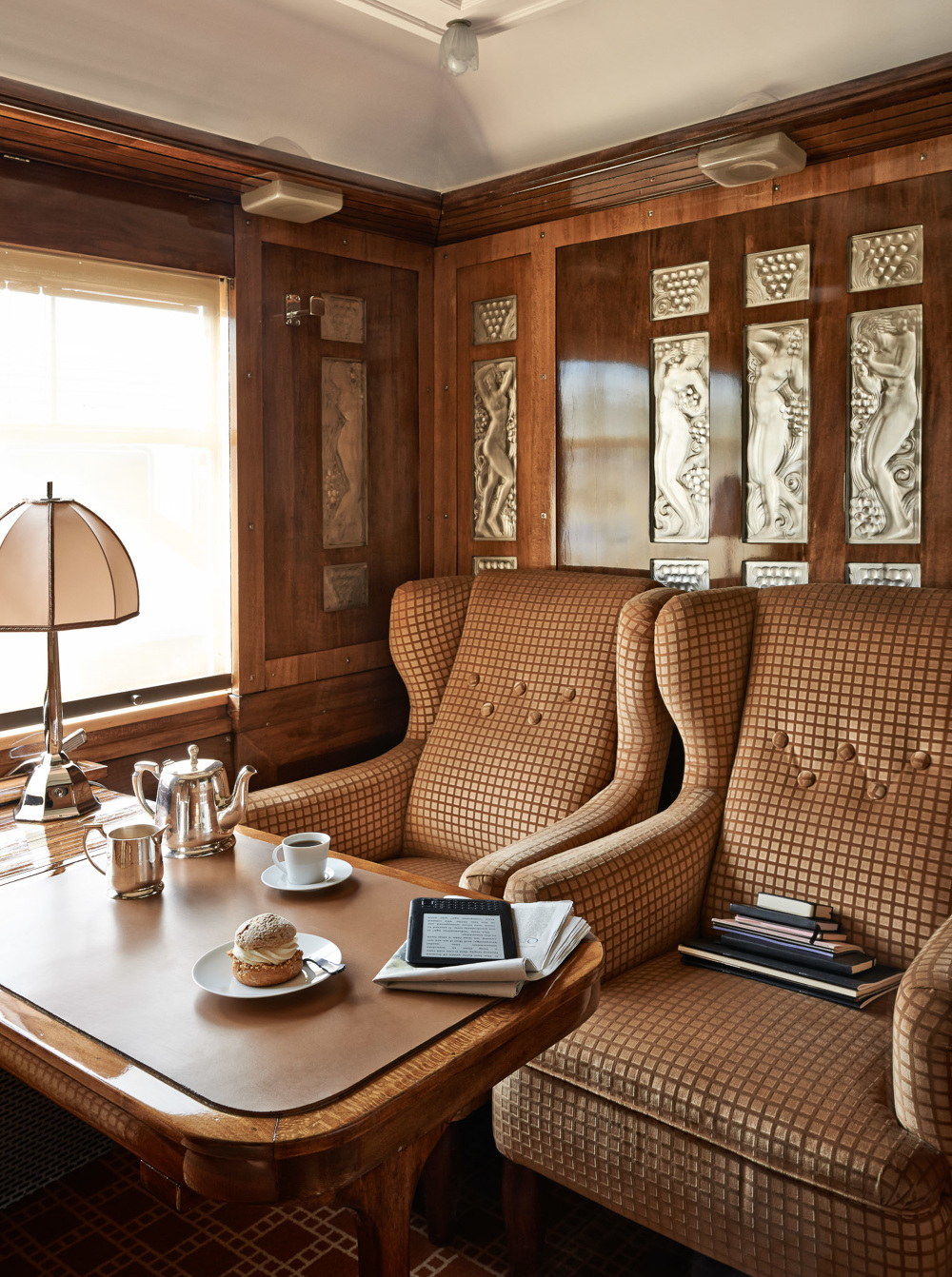 orient express sandrineplace. Black Bedroom Furniture Sets. Home Design Ideas