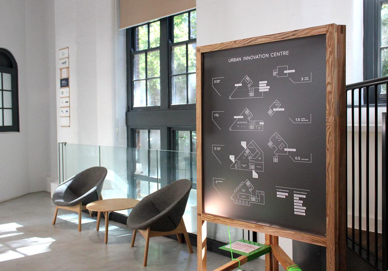 Exhibition Stand Fabrication : Reception stand — uic sérgio cameira